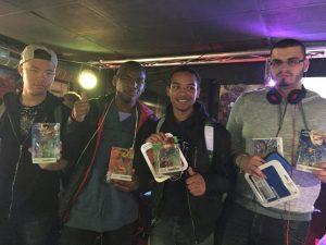 Les finalistes de Super Smash Bros. for 3DS, avec Na2s, Shido, Baaki et Black-Luigi